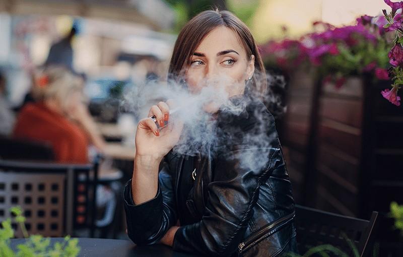 Die Vielfalt des Dampfens – E-Liquids mit Nikotin & ohne Nikotin